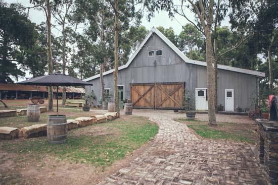 australian barn wedding023