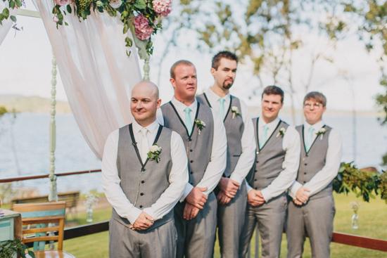 vintage inspired lakehouse wedding023
