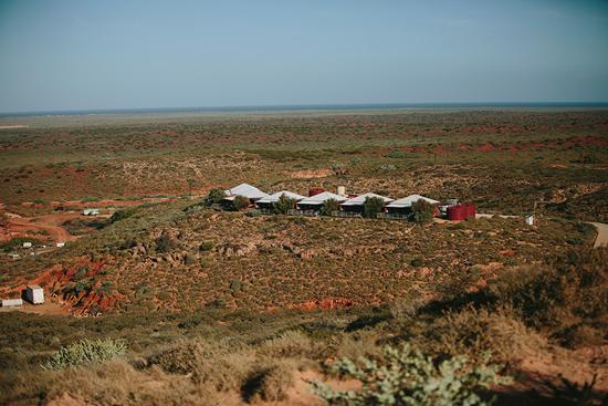 modern handmade desert wedding001