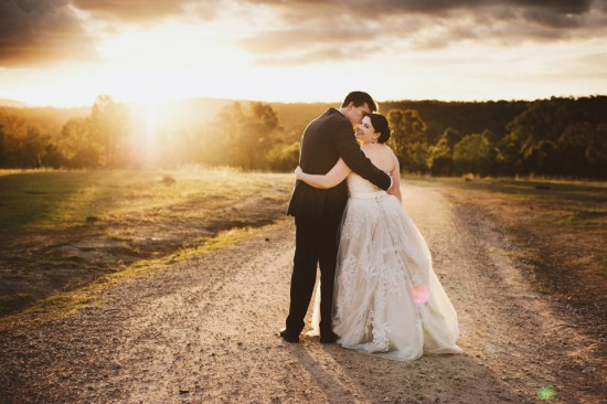 Sunset wedding with Brisbane Celebrant Ciara Hodge. Image by Leah Cruikshank Photography