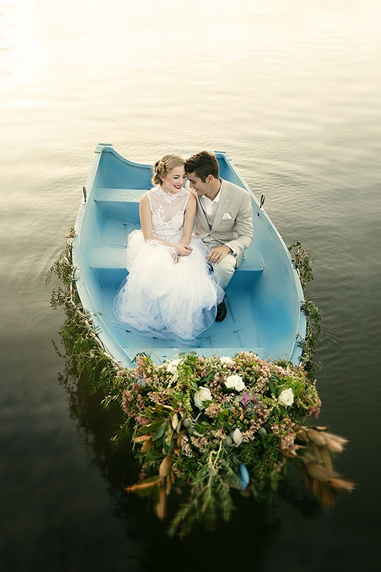 vintage rowboat wedding inspiration0015