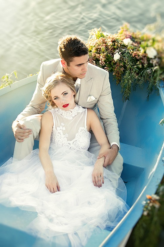 vintage rowboat wedding inspiration0016