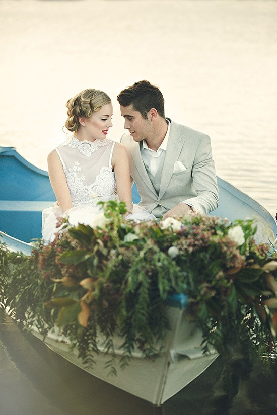 vintage rowboat wedding inspiration0017