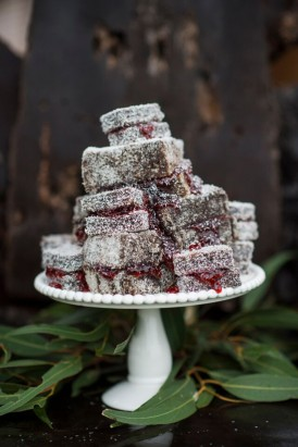 lamington wedding tower
