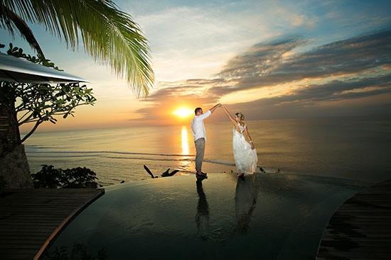 Bali-dancing-wedding-photo-550x367