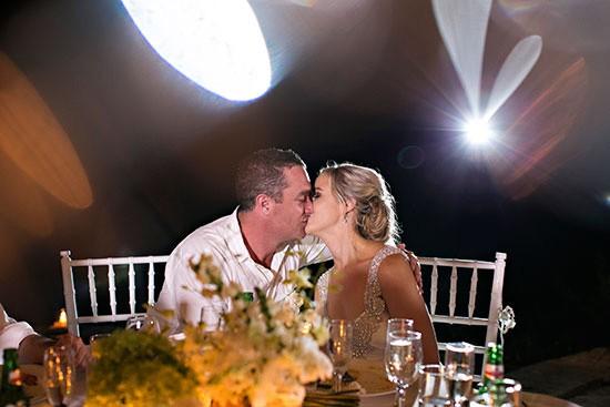 Wedding Kiss Bali