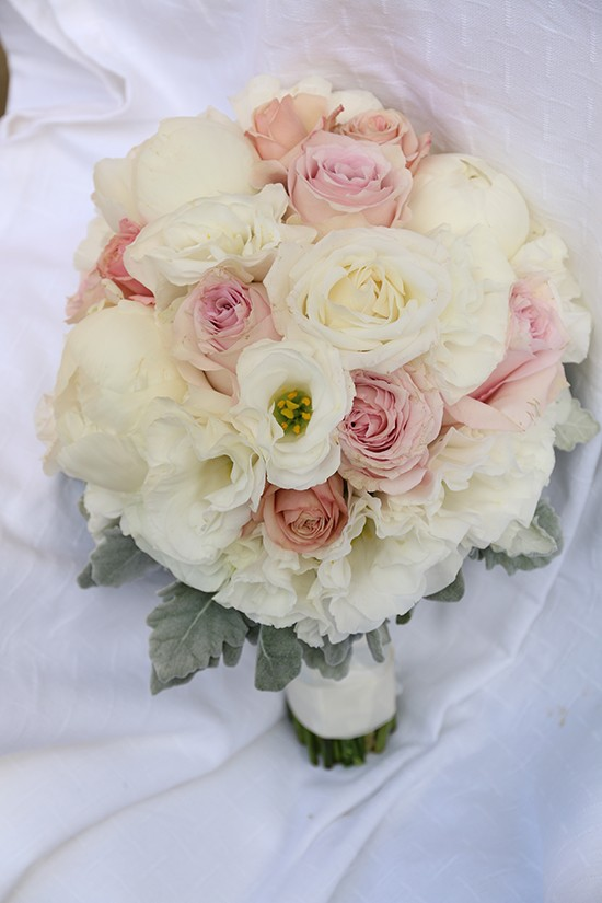 classic white and pink bouquet