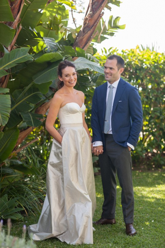 Bride in ball skirt with pockets