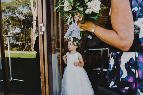 Flowergirl look at bride