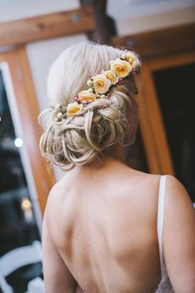 Peach roses in wedding hair style