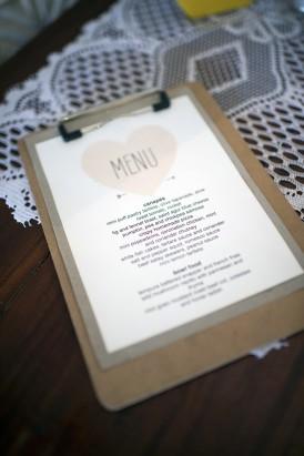 Weddding menu with heart