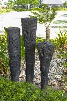 Intercontinental Fiji Totems