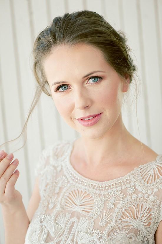 Natural bridal makeup with pink lips
