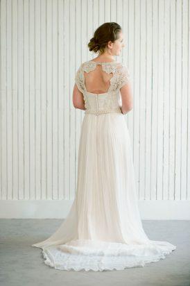 Romantic Bridal Bun Tutorial019