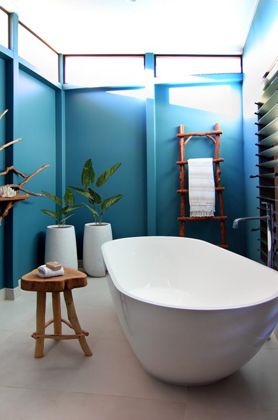 Elements-of-Byron-beachside-bath-room