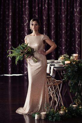Bridesmaid look bronze metallic