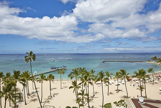 Alii_Tower_Ocean_Front_View