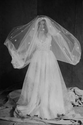 Silver & Ivory Contemporary Bridal Inspiration002