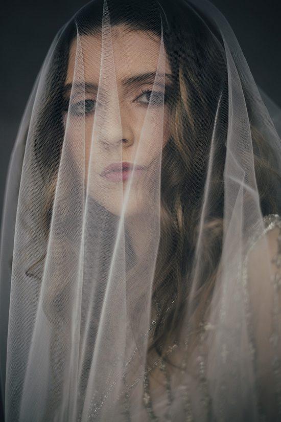 Silver & Ivory Contemporary Bridal Inspiration016