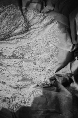 Silver & Ivory Contemporary Bridal Inspiration017