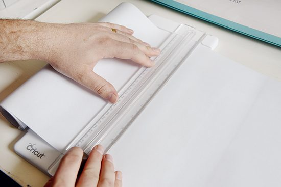 How to use Cricut Window Cling