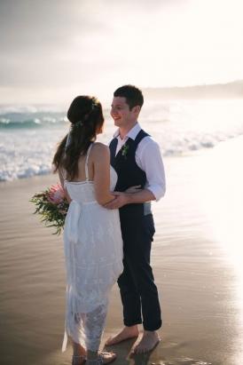 Relaxed Australian Beach Wedding | Photo by Bird & Boy Photography www.birdandboyphotography.com.au