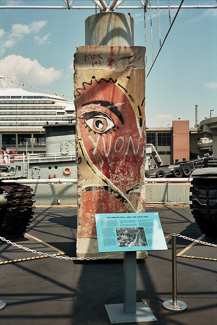 berlin-wall-piece-intrepid-sea-air-and-space-museum-kiddy-citny-nyc