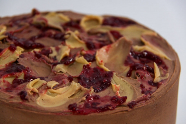 Peantu butter and jelly cake. Image via Vanilla Pods