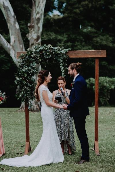 121739 madeleine aarons rustic intimate botanical gardens wedding by dani drury