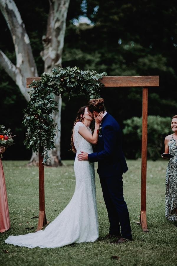 121741 madeleine aarons rustic intimate botanical gardens wedding by dani drury