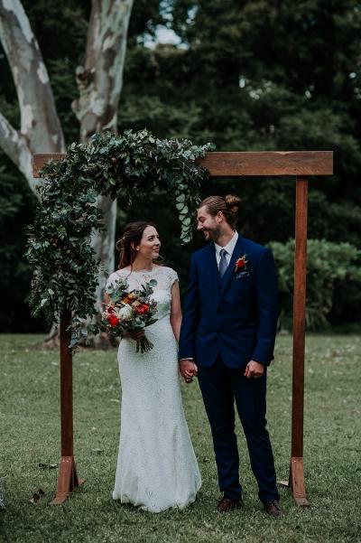 121742 madeleine aarons rustic intimate botanical gardens wedding by dani drury