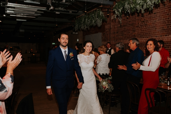 121786 madeleine aarons rustic intimate botanical gardens wedding by dani drury