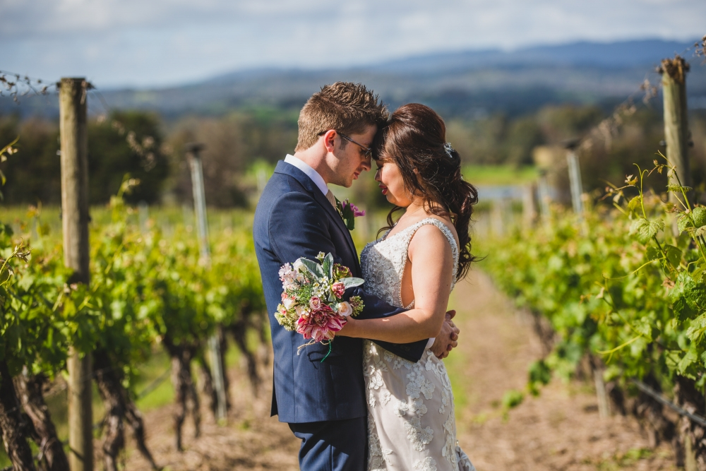 106066 simple lunchtime stones of the yarra valley wedding by twentyone photos
