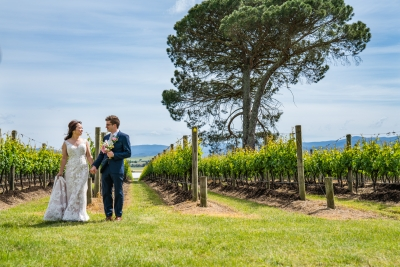 106082 simple lunchtime stones of the yarra valley wedding by twentyone photos