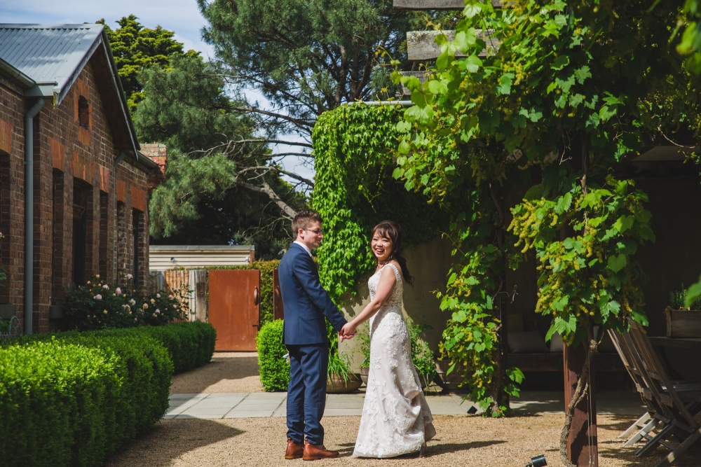 106084 simple lunchtime stones of the yarra valley wedding by twentyone photos