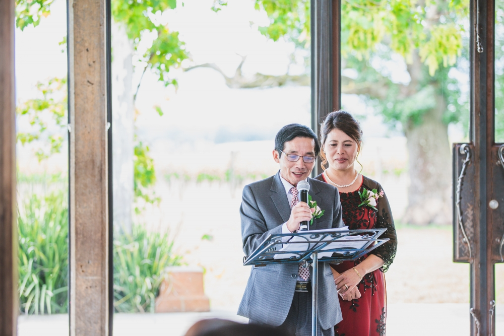 106158 simple lunchtime stones of the yarra valley wedding by twentyone photos
