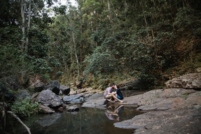 116562 relaxed queensland country engagement by quince mulberry studios